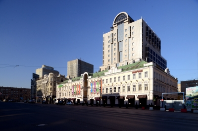 "Renovation of Shopping Center ""Smolenskiy Passage"""